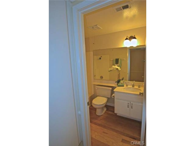 Lower level FULL bathroom!